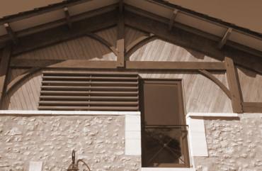 Pignon bois et fenêtre aluminium